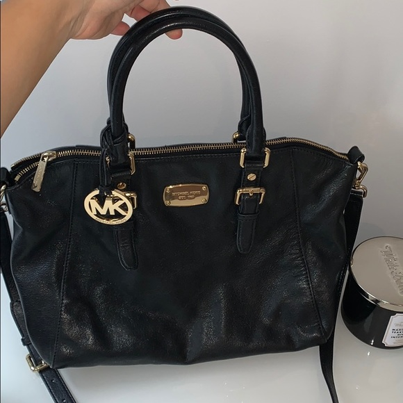 Michael Kors Handbags - Black Michael Kors Purse. Handbag & crossbody